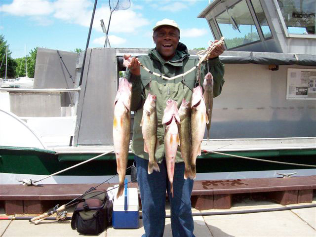 Port clinton fishing charter and bait tackle shop for Port clinton fishing charters